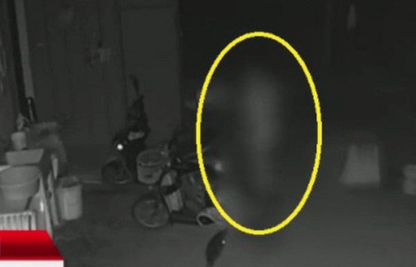 Tin tức đời sống mới nhất ngày 30/10/2019: Nửa đêm tỉnh giấc vì có ai đụng vào, người phụ nữ phát hiện điều kinh hoàng - Ảnh 1