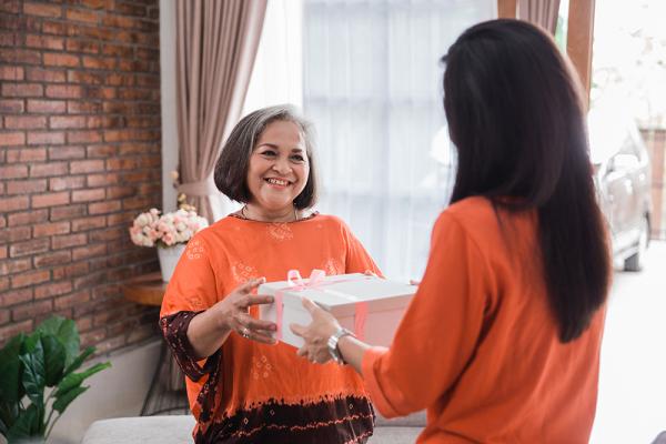 Quà tặng 20/10: Những món quà thiết thực, ý nghĩa dành tặng mẹ yêu - Ảnh 2