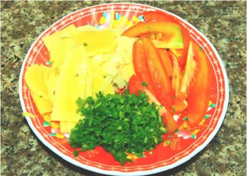 Canh măng chua ấm nóng cho bữa cơm gia đình ngày giao mùa - Ảnh 1