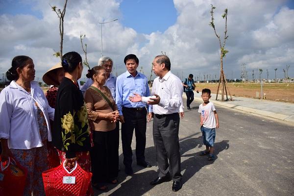 Cuộc di dân lịch sử ở Huế: Người dân mừng rơi nước mắt khi tham quan khu đất dành cho nơi ở mới - Ảnh 1