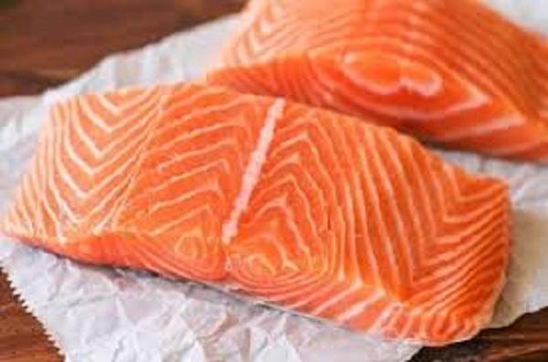 Cá hồi làm ruốc mãi cũng chán, đổi vị với cách chế biến mới đảm bảo ăn hoài không chán - Ảnh 1