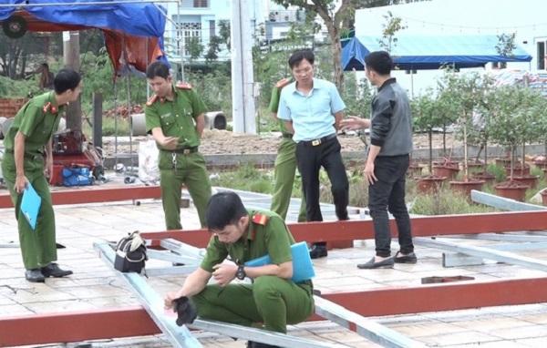 Quảng Ngãi: Cẩu khung sắt dựng quán, 11 người bị điện giật thương vong - Ảnh 2