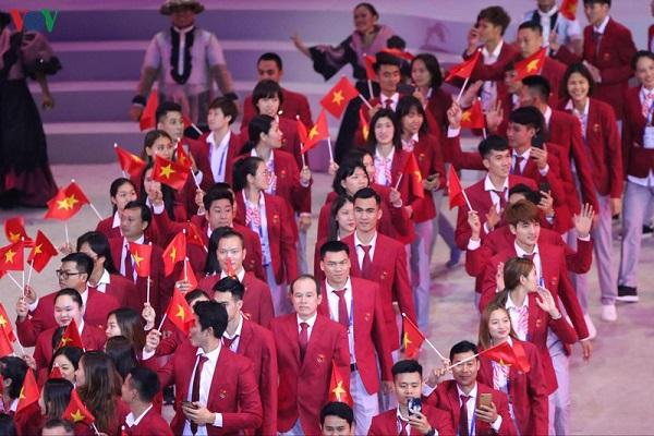 Phần diễu hành của đoàn thể thao Việt Nam trong lễ khai mạc SEA Games 30 - Ảnh 3