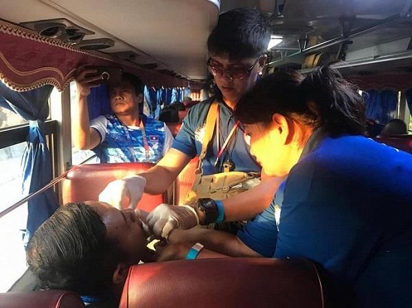 Xe chở đoàn thể thao Việt Nam dự lễ khai mạc SEA Games 30 gặp nạn trên đường - Ảnh 2