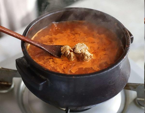 Học người Hàn nấu món canh thịt, không ngờ cả nhà mê tít - Ảnh 5