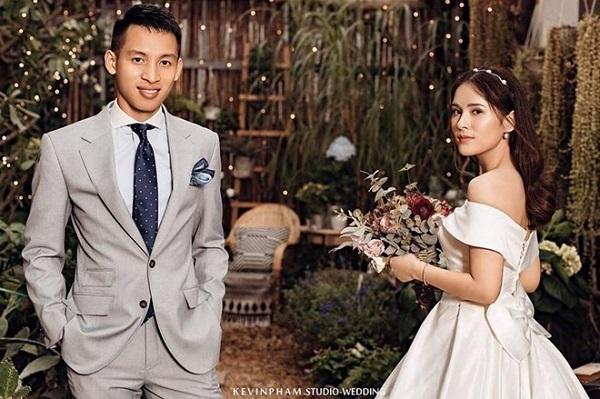 """Chuyện tình ngọt ngào của Đỗ Hùng Dũng và """"hot girl xứ Tuyên"""" - Ảnh 1"""