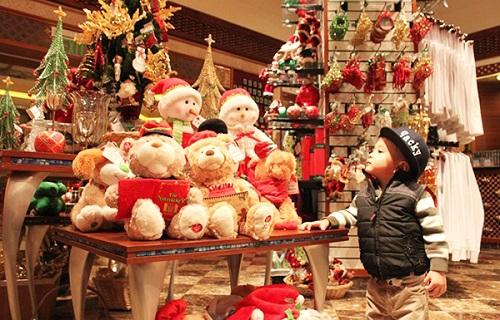 Chọn quà Giáng sinh cho bé yêu theo độ tuổi vừa ý nghĩa lại tiết kiệm - Ảnh 2