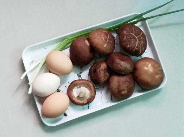 Chỉ là trứng thôi nhưng chế biến theo cách này bao nhiêu cơm cũng hết - Ảnh 1