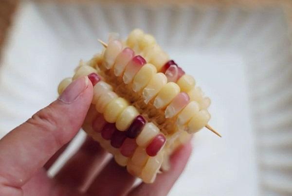 Hóa ra có một món ăn vặt siêu ngon từ ngô cho cả nhà quây quần dịp Tết Dương lịch - Ảnh 2