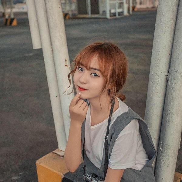 Hot girl ĐH Công Nghiệp Thực Phẩm TP.HCM kiếm 50 triệu đồng/tháng nhờ bức ảnh mặc đồng phục - Ảnh 4