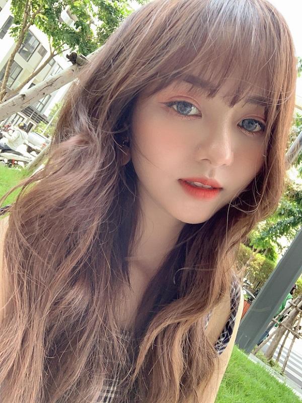 Hot girl ĐH Công Nghiệp Thực Phẩm TP.HCM kiếm 50 triệu đồng/tháng nhờ bức ảnh mặc đồng phục - Ảnh 5