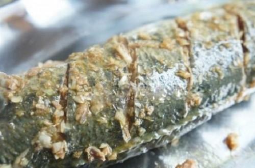 Món ngon mỗi ngày: Cách làm cá lóc nướng đơn giản bằng lò vi sóng cho ngày vía Thần tài - Ảnh 3