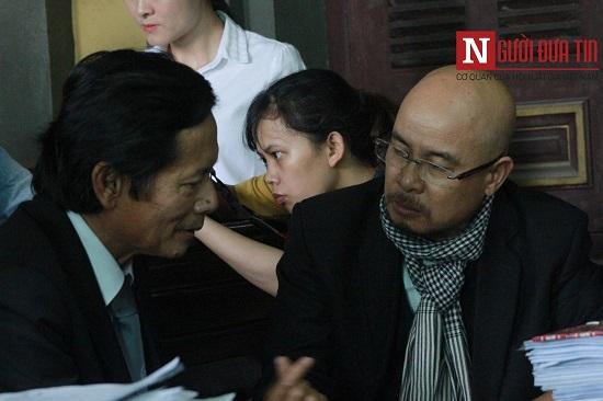 """Nhìn lại diễn biến bất ngờ ngày xử ly hôn thứ 2 của vợ chồng """"vua cà phê"""" Trung Nguyên - Ảnh 4"""