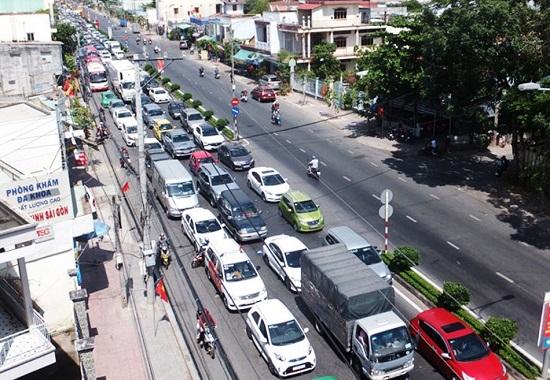 Tai nạn giao thông gia tăng ngày mùng 2 Tết, 42 người thương vong - Ảnh 1