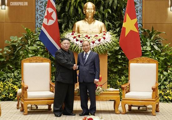 Thủ tướng Chính phủ Nguyễn Xuân Phúc tiếp Chủ tịch Kim Jong Un - Ảnh 7