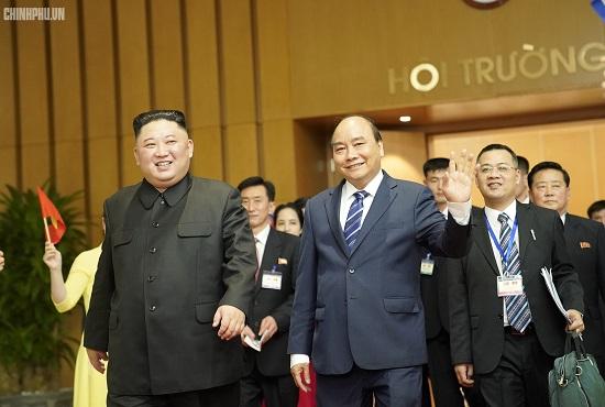 Thủ tướng Chính phủ Nguyễn Xuân Phúc tiếp Chủ tịch Kim Jong Un - Ảnh 9