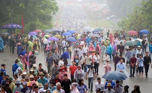 Dự báo thời tiết dịp Giỗ Tổ Hùng Vương: Miền Bắc mưa dông, Nam Bộ nắng nóng - Ảnh 1