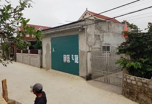 Khám nhà các nghi phạm trong vụ bắt giữ gần 1 tấn ma túy đá ở Nghệ An - Ảnh 1