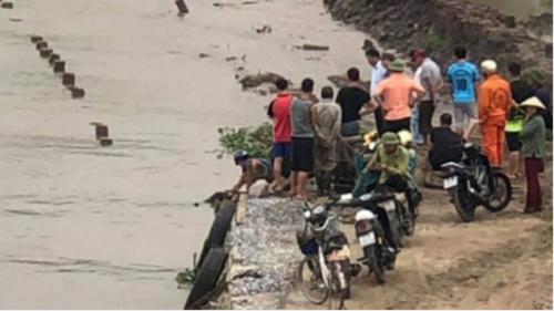 Phát hiện thi thể người đàn ông trôi dạt trên sông Văn Úc - Ảnh 1