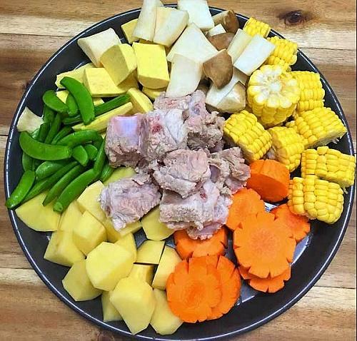 Món ngon mỗi ngày: Canh sườn rau củ thanh mát cho bữa trưa - Ảnh 3