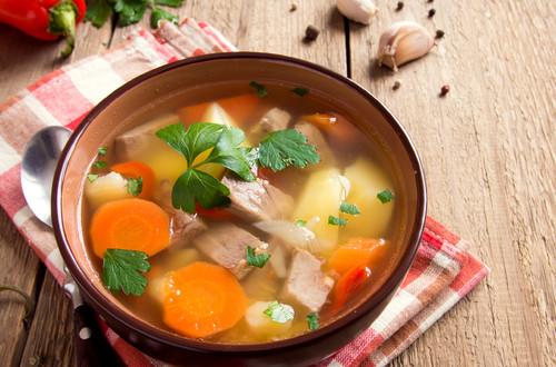 Món ngon mỗi ngày: Canh sườn rau củ thanh mát cho bữa trưa - Ảnh 1