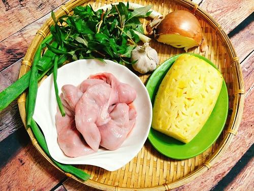 Món ngon mỗi ngày: Tràng lợn xào dứa giòn ngọt cho bữa tối - Ảnh 2