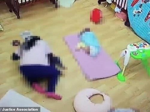 Bé 11 tháng tuổi tử vong vì bị cô giáo mầm non ru ngủ bằng cách chẳng giống ai - Ảnh 1