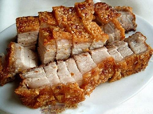 Món ngon mỗi ngày: Lạ miệng với thịt heo quay kho măng - Ảnh 2