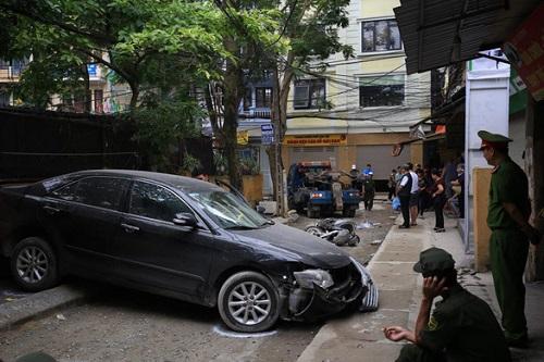 Xác định danh tính nữ tài xế lùi Camry cán chết người đi xe máy trên phố Hà Nội - Ảnh 2