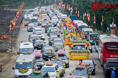 Hơn 400 xe rước hoa, tắm Phật mừng Đại lễ Phật đản Vesak 2019 - Ảnh 4