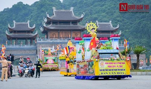 Hơn 400 xe rước hoa, tắm Phật mừng Đại lễ Phật đản Vesak 2019 - Ảnh 5