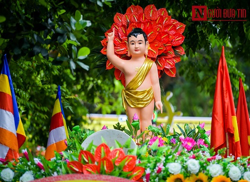 Hơn 400 xe rước hoa, tắm Phật mừng Đại lễ Phật đản Vesak 2019 - Ảnh 9