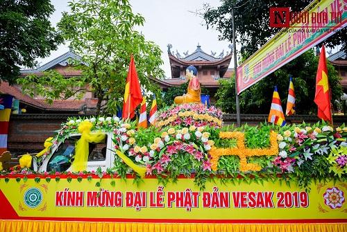 Hơn 400 xe rước hoa, tắm Phật mừng Đại lễ Phật đản Vesak 2019 - Ảnh 11
