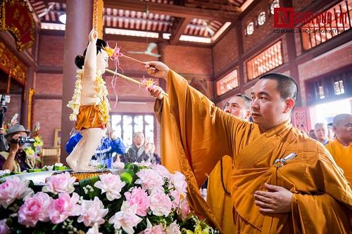 Hơn 400 xe rước hoa, tắm Phật mừng Đại lễ Phật đản Vesak 2019 - Ảnh 15