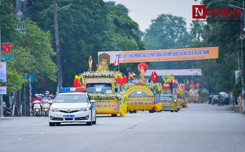 Hơn 400 xe rước hoa, tắm Phật mừng Đại lễ Phật đản Vesak 2019 - Ảnh 7