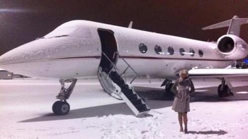 Hé lộ điều bí mật về những tiếp viên hàng không chuyên phục vụ giới nhà giàu - Ảnh 2