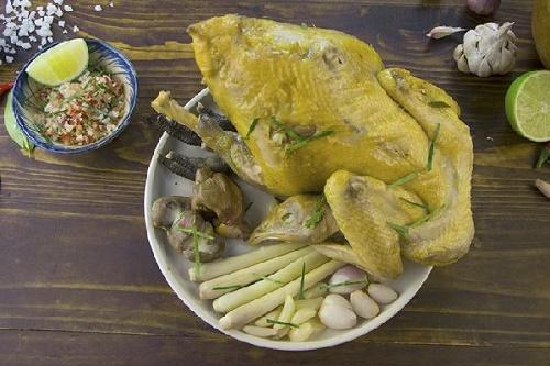 Bí quyết làm gà hấp lá chanh thơm ngon, khó cưỡng cho bữa tối thêm đậm đà - Ảnh 3