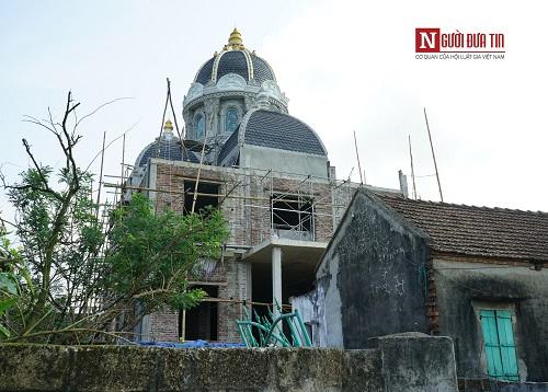 Choáng ngợp ngôi làng đi vài chục mét lại có một dinh thự ở Nam Định - Ảnh 12