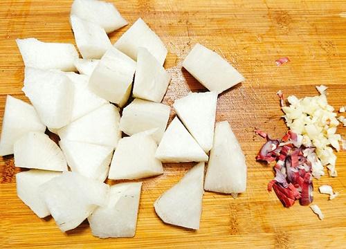 Cách làm sườn kho của cải ngọt mềm đưa cơm - Ảnh 4