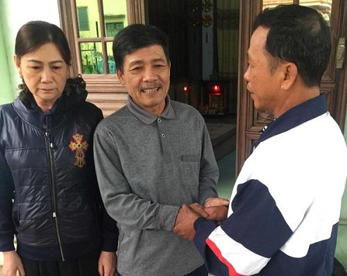 Cảm động vợ chồng nghèo ở Quảng Trị nuôi chàng trai ăn xin gần 30 năm - Ảnh 2