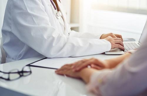 Cứu sống bệnh nhân 2 lần, bệnh viện và bác sĩ phải bồi thường gần 10 tỷ đồng - Ảnh 1