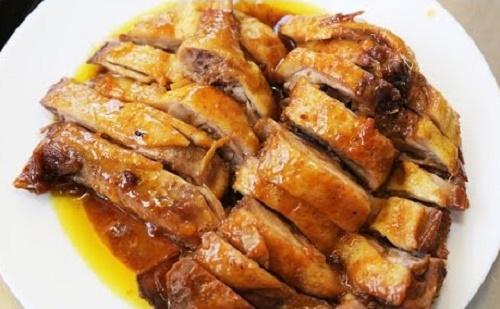 Vịt kho nước dừa ngon miễn chê cho bữa trưa thêm đậm đà - Ảnh 3