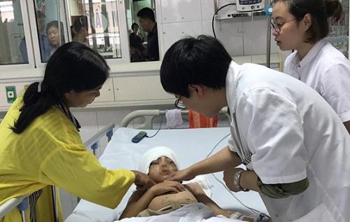 Tin tức đời sống mới nhất ngày 5/5/2019: Sức khoẻ bé trai bị chó lao vào cắn xé, nghi vỡ xương sọ - Ảnh 3