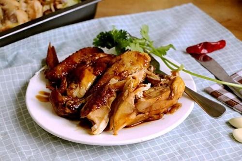 Món ngon mỗi ngày: Cách nấu gà bằng nồi cơm điện hoàn toàn mới, ăn ngon hơn ngoài hàng - Ảnh 1