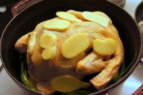 Món ngon mỗi ngày: Gà luộc không cần nước mà vẫn mềm ngon, ngọt thịt - Ảnh 3