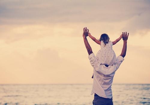 Kẻ nào vung tay với các con, hãy nhớ còn vòng tay bố - Ảnh 1
