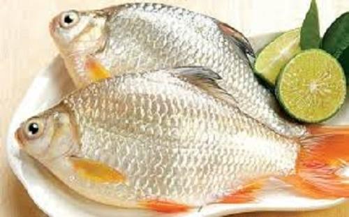 Mẹo khử mùi tanh của cá từ 4 nguyên liệu sẵn có trong gian bếp - Ảnh 1