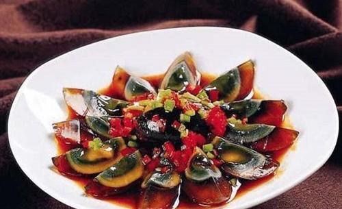 Những món ăn ngửi mùi đã thấy choáng nhưng nổi tiếng hàng đầu Trung Quốc - Ảnh 4