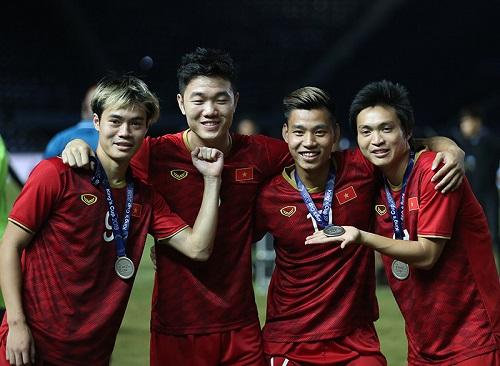 Tuyển Việt Nam được thưởng nóng sau thành tích Á quân King's Cup - Ảnh 1