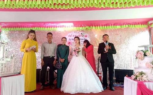 """Đám cưới không chú rể ở Quảng Trị: """"Tình yêu cổ tích"""" của cô giáo mầm non và anh lính biển - Ảnh 1"""